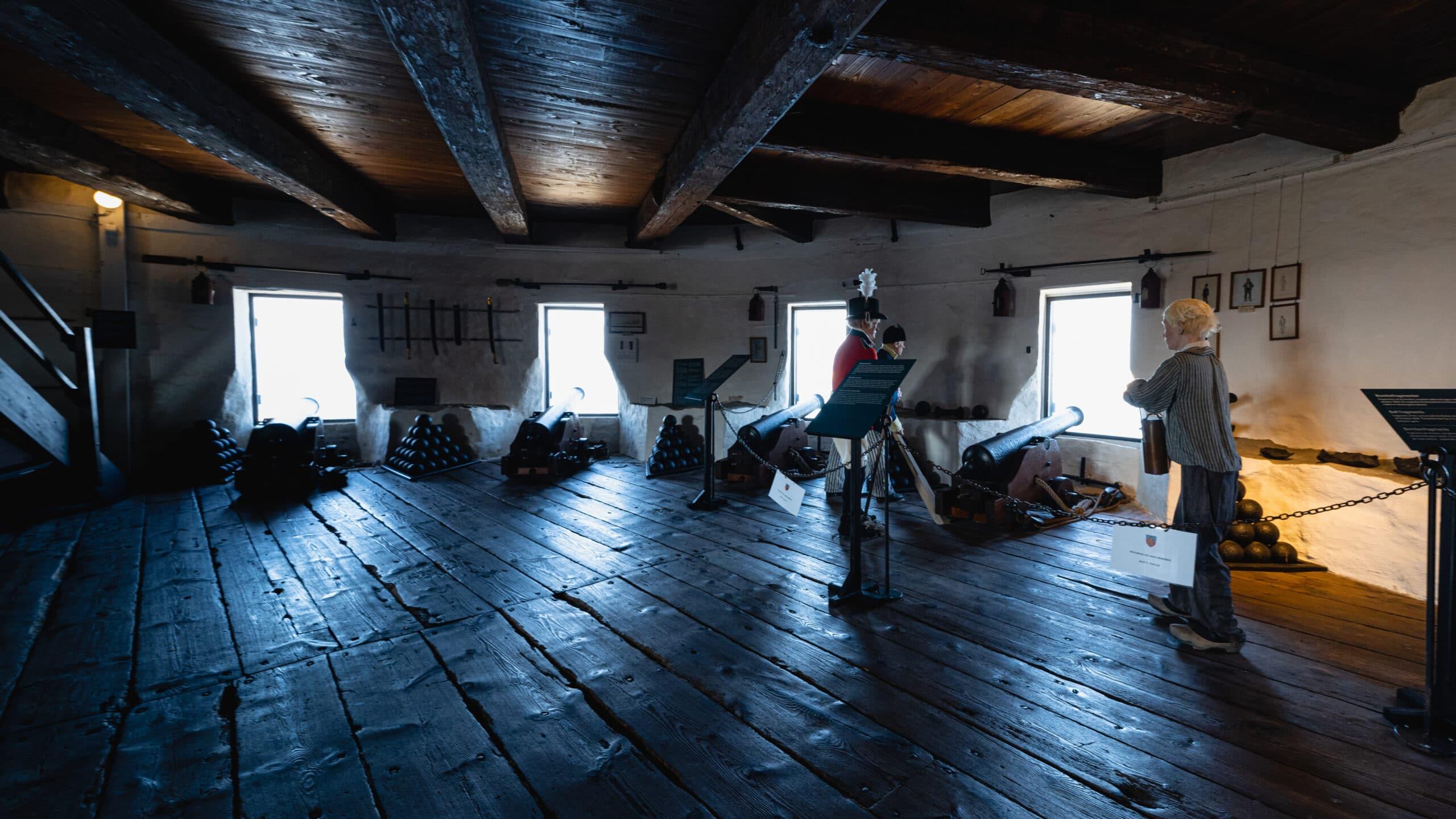 Christiansø fortet med kanoner