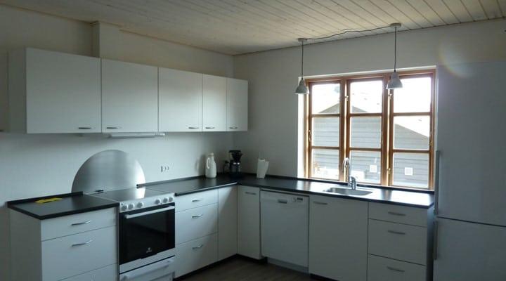 Køkken feriehus bornholm - sannes familiecamping