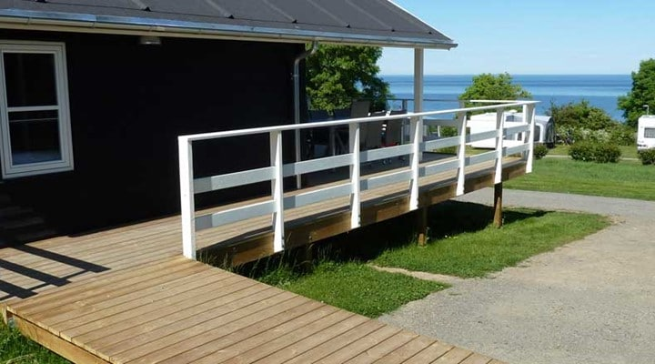 terrasse feriehytte til kørestol